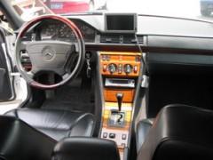 メルセデスベンツE300D(ターボディーゼル)