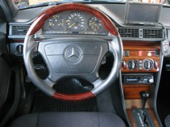 メルセデスベンツE300D ターボディーゼル